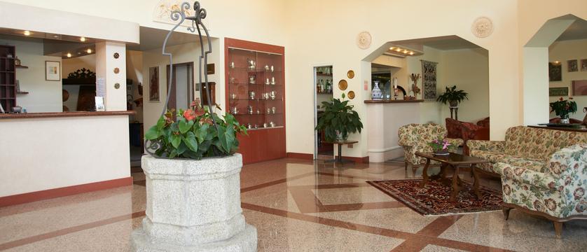 Hotel Lido La Perla Nera Reception.jpg